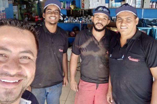 Entrega de brindes na empresa NABAL PINTO MORAIS